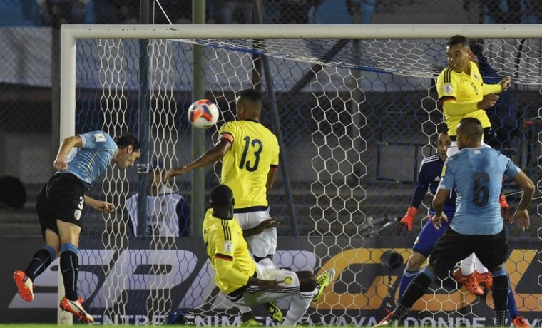 ¿Le falta mucho a James?, se pregunta Colombia tras goleada de Uruguay