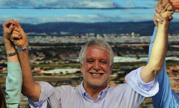 El malabarismo que enfrenta Peñalosa en Bogotá