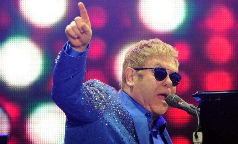 Elton John reúne a su banda para sacar un nuevo álbum
