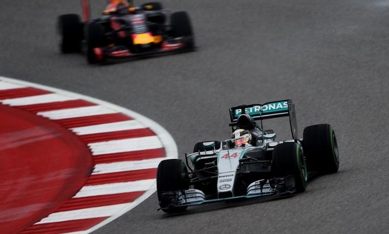 Lewis Hamilton se consagra tricampeón mundial de Fórmula 1