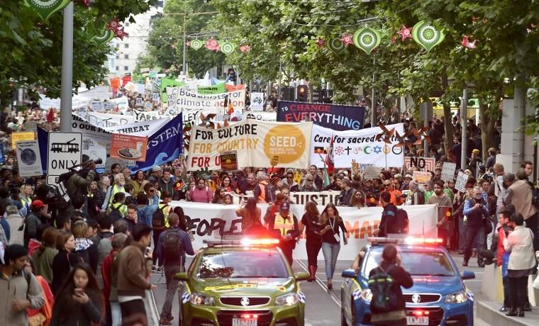 Marchas por el clima arrancan en Australia, París se prepara para la cumbre