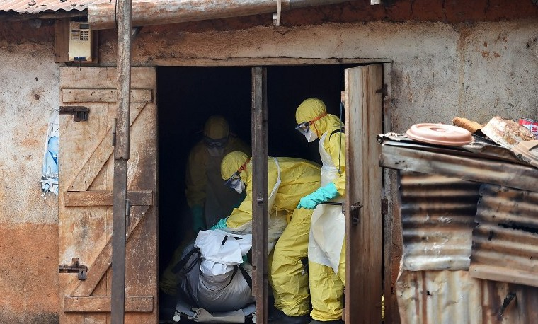 Celebración en Sierra Leona tras ser declarada exenta de ébola por la OMS