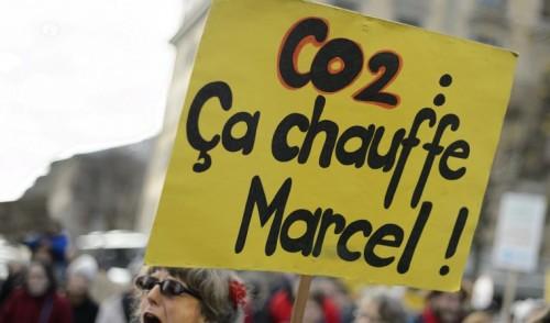 Acuerdo de la UE para reducir en un 35% las emisiones de CO2 de los coches nuevos en 2030: Falta de ambición