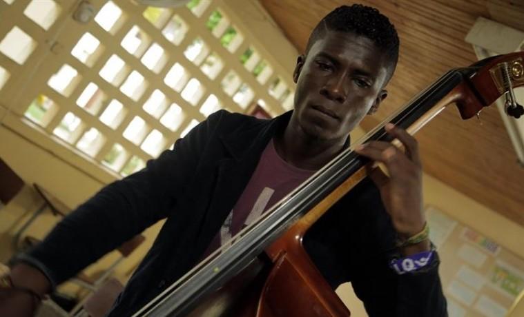 La música clásica, refugio para los más desfavorecidos en Pacífico colombiano