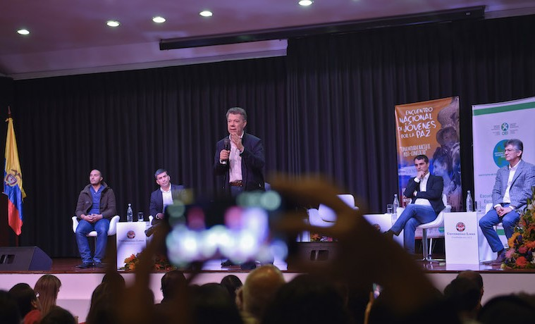 Aunque no estoy obligado legalmente, vamos a diseñar algún tipo de refrendación de los acuerdos de paz: Presidente Santos