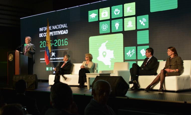 """""""Acelerar y profundizar la agenda de competitividad"""": CPC"""