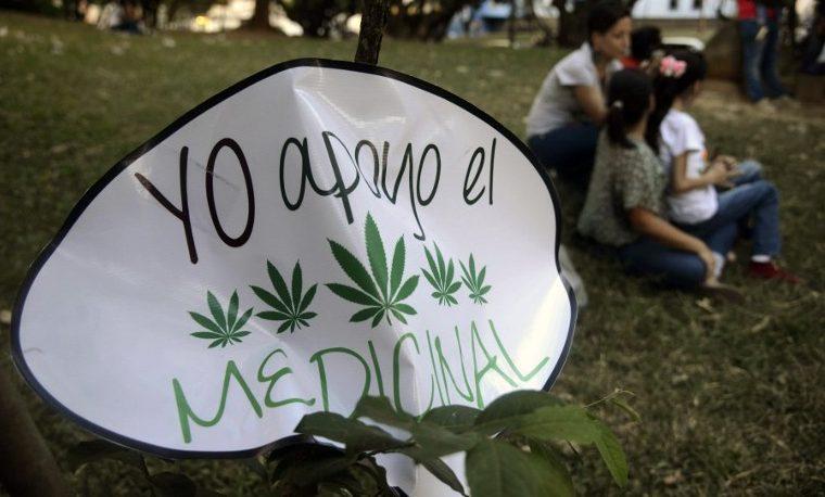 Congreso colombiano aprueba el uso de la marihuana para fines medicinales
