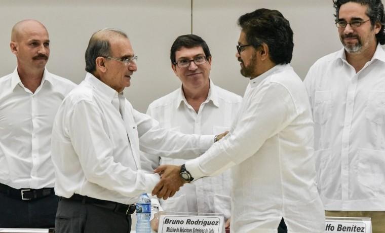 FARC y gobierno harán el miércoles anuncio sobre cierre de negociación de paz
