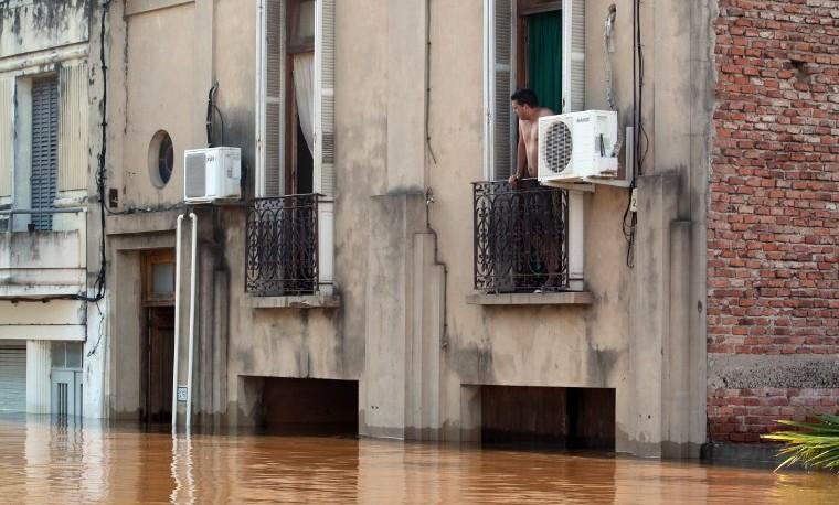 Itaipú, símbolo de energía limpia en Paraguay, lucha contra El Niño