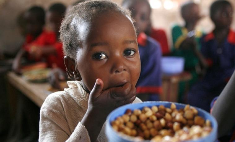 Cero Hambre para un futuro mejor. Más y más padres de familia envían a sus hijos a escuelas apoyadas por el PMA porque saben que las nutritivas comidas escolares y la educación les darán la oportunidad de un futuro mejor. Y entre más pronto comencemos a construir ese futuro juntos, ¡mejor! Copyright: WFP/Antony Njuguna.