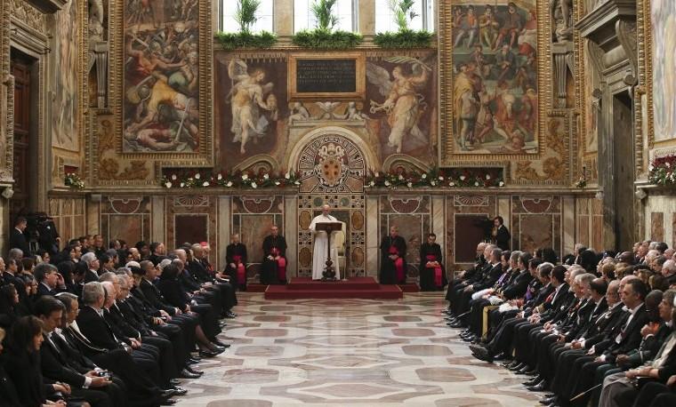 El papa quiere mayor transparencia en finanzas del Vaticano