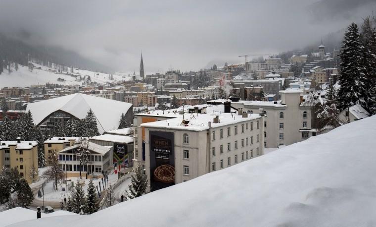Cómo proteger el clima con un barril de crudo a US$30, gran debate en Davos