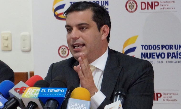 Simón Gaviria, Departamento Nacional de Planeación, en rueda de prensa, marzo 28, 2016. DNP