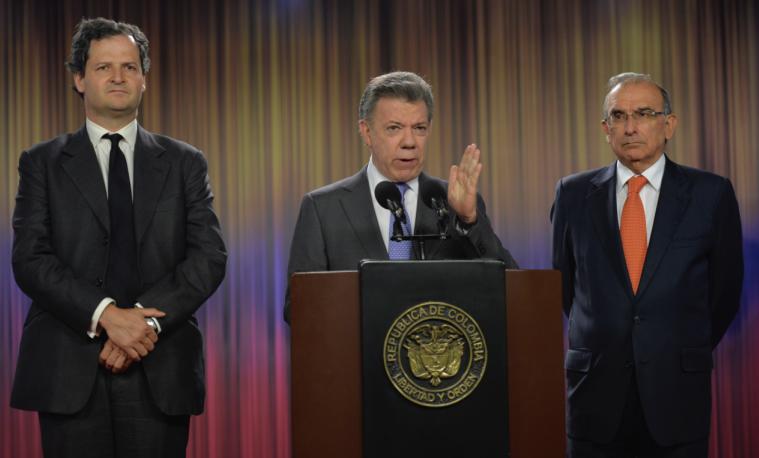 "Santos exige a guerrilla FARC ""fecha fija"" de desarme para firmar paz"