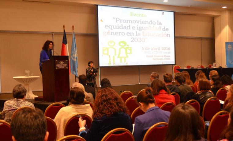 Promoviendo la equidad e igualdad de género en la Educación 2030. Oficina Regional de Educación. Unesco.
