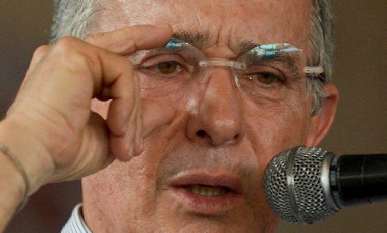 """Plebiscito por la paz en Colombia """"es ilegítimo"""": Expresidente Álvaro Uribe"""