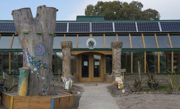 Así viven los niños en la primera escuela pública sustentable de América Latina