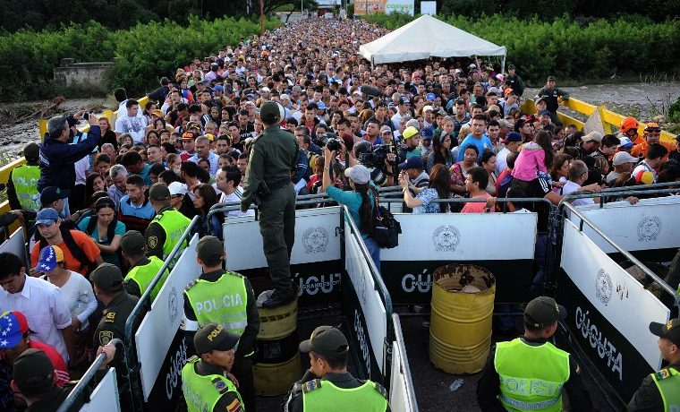 Llegada silenciosa masiva de venezolanos a Colombia