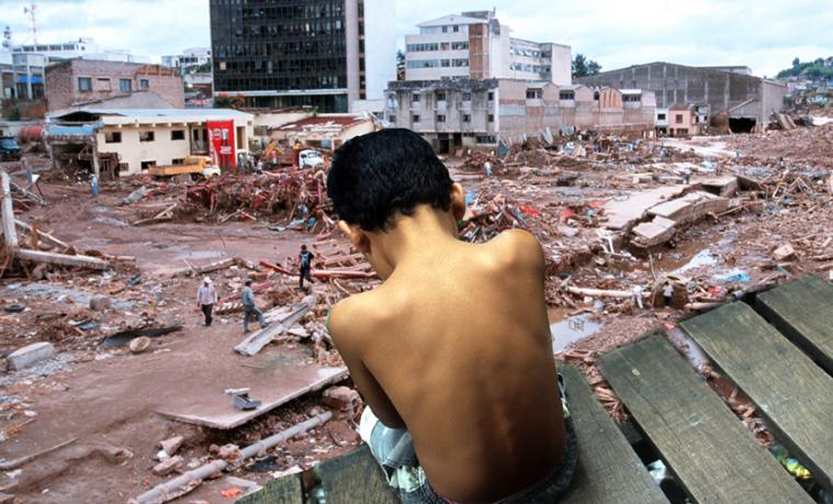 ¿Cómo se relacionan la recaída en la pobreza y cambio climático?