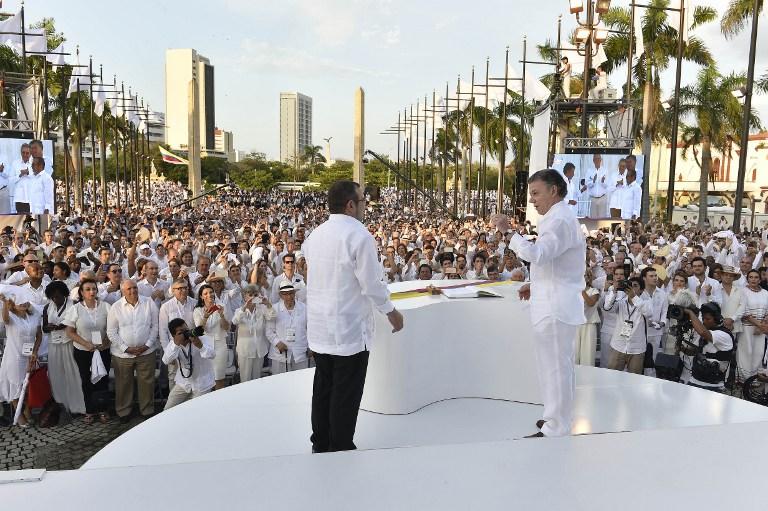 """Presidente Santos da a guerrilla FARC """"la bienvenida a la democracia"""""""