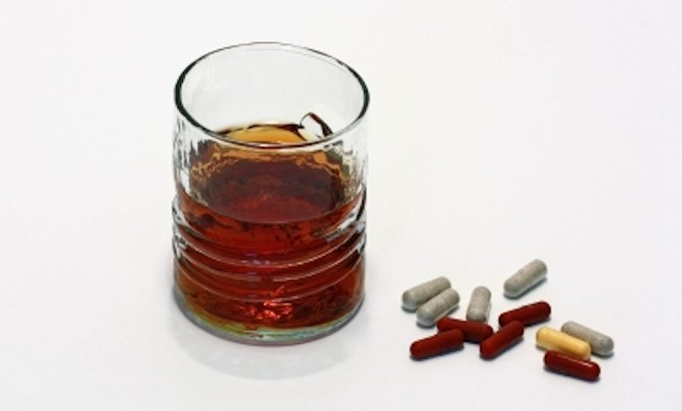 Adicción a alcohol y drogas supone una crisis de salud pública en Estados Unidos
