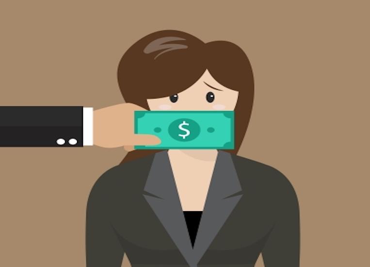 corrupción mujer plata soborno