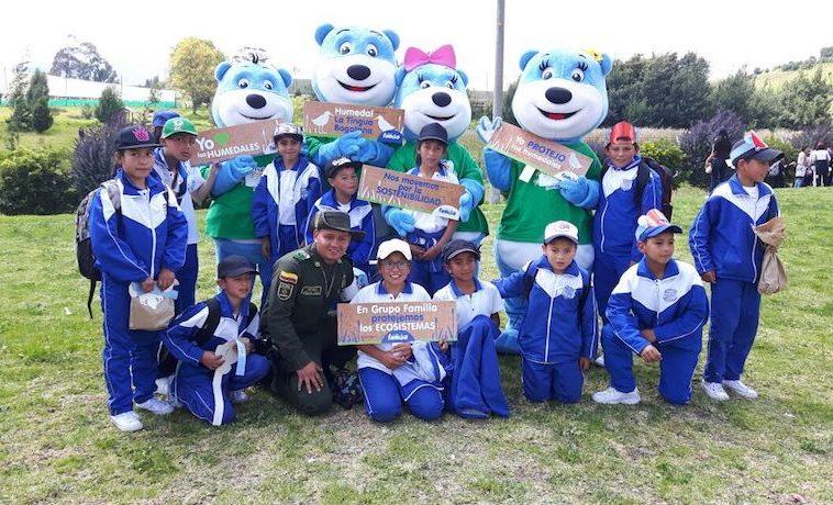 Grupo Familia inaugura aula de capacitación ambiental y el observatorio de aves en el Humedal La Tingua Bogotana