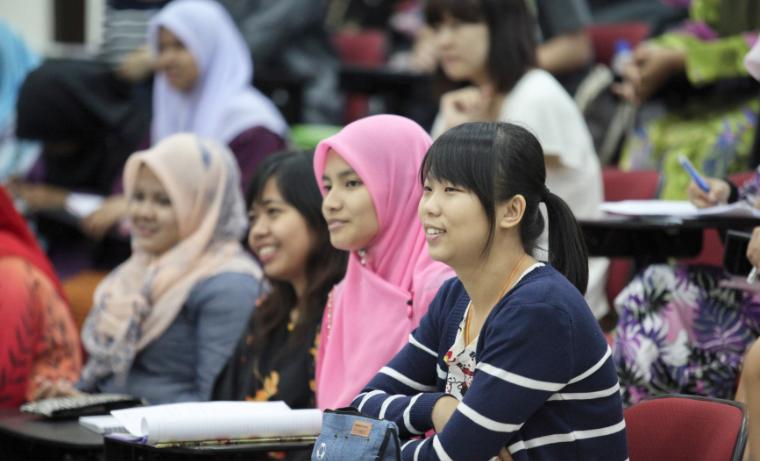 Por qué las soluciones para los jóvenes deben provenir de los propios jóvenes