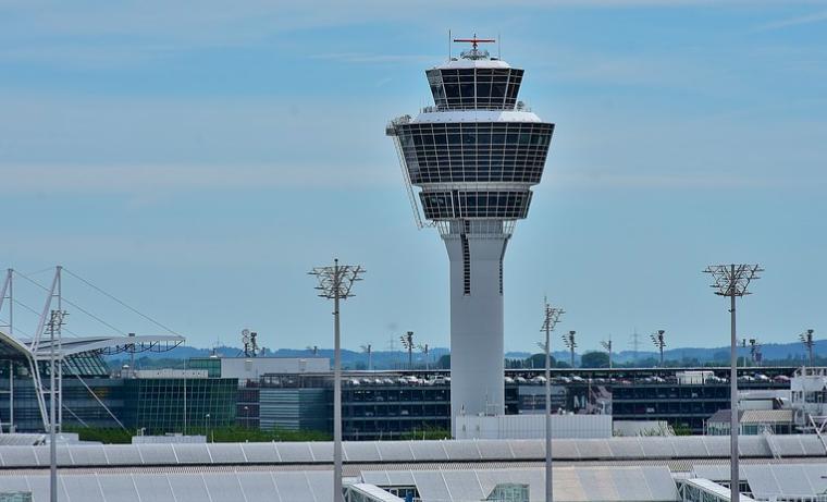 Escaneado facial, robots y jardines en los aeropuertos del futuro