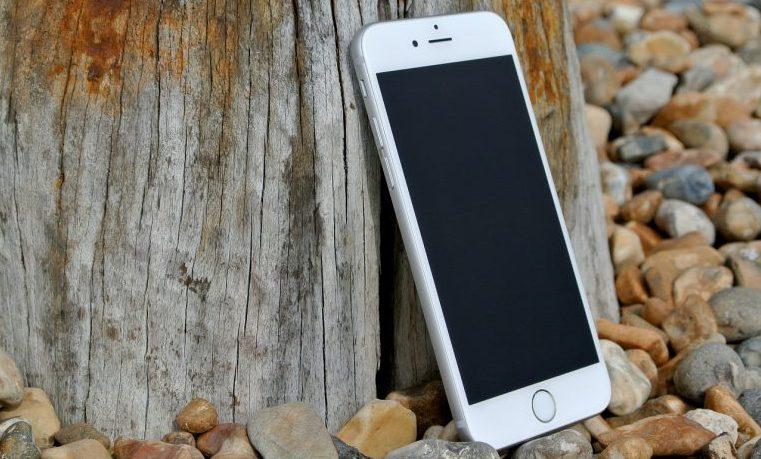 Por qué las empresas de los países en desarrollo son tan pequeñas, y cómo los teléfonos móviles solucionan este problema