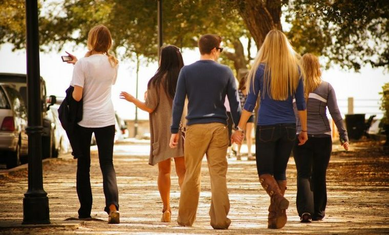 Lo que ocurre en las relaciones de la adolescencia no queda ahí