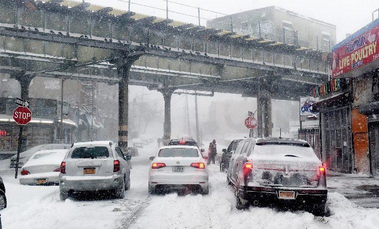 """Un frío ártico se apodera del noreste de EEUU tras el """"ciclón bomba"""""""