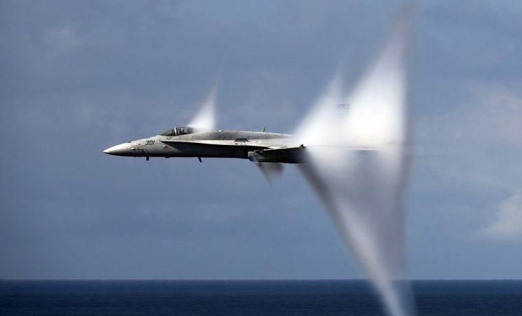barrera del sonido avión
