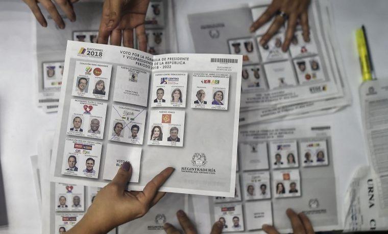 ¿Realmente se comprometen los candidatos con la educación?