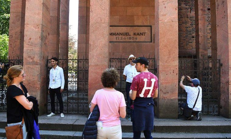 La tumba de Kant, un lugar para la filosofía en pleno Mundial de fútbol