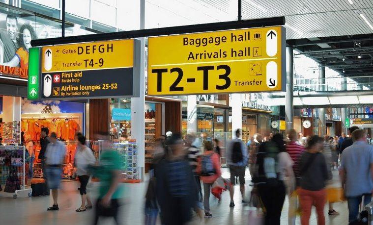 """Los aeropuertos se vuelven más """"inteligentes"""" para acoger más pasajeros"""