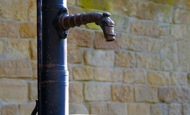 Política y balance hídrico