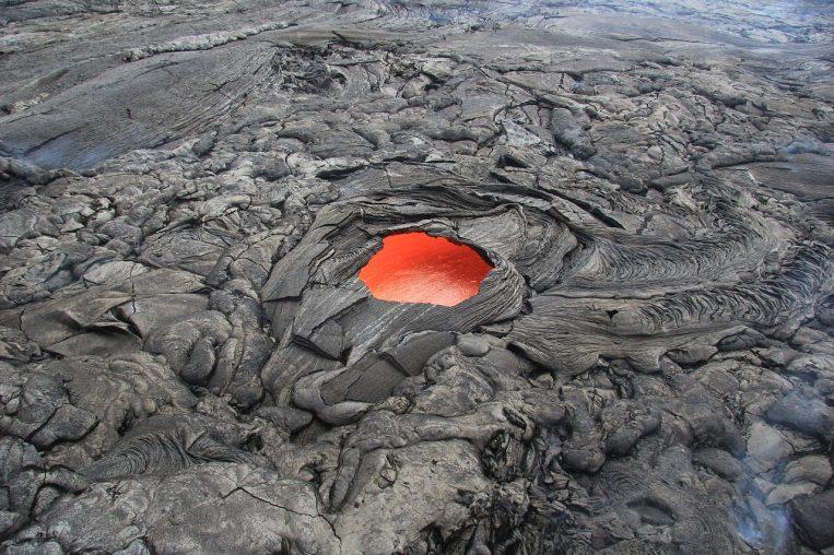 Erupción de volcanes pudo influir en desaparición de dinosaurios