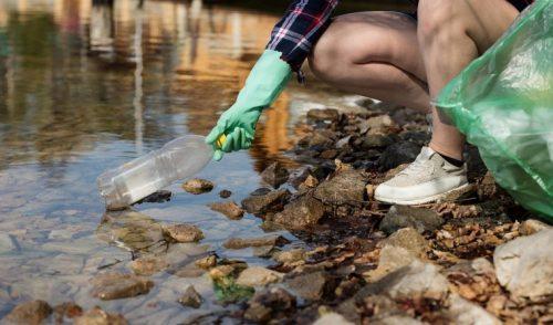 Humanos ingieren cada año decenas de miles de partículas de plástico