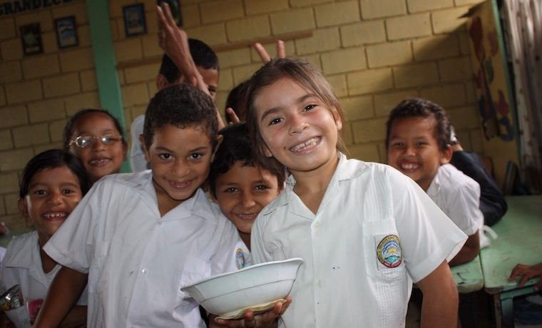 La alimentación escolar también ayuda a prevenir el trabajoinfantil