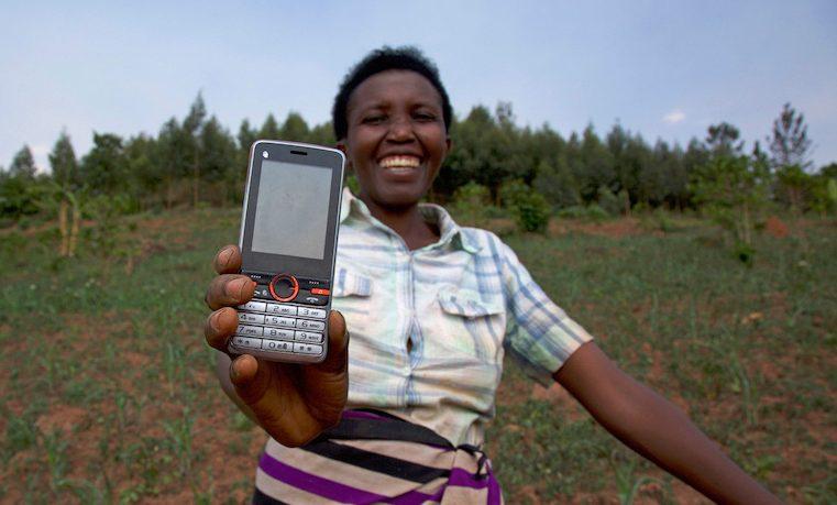 Dinero móvil: el producto preferido por las mujeres para enviar y recibir remesas