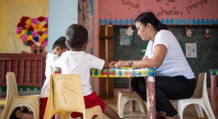 Las mujeres y el trabajo de cuidados: sin tiempo, sin oportunidades, sin voz