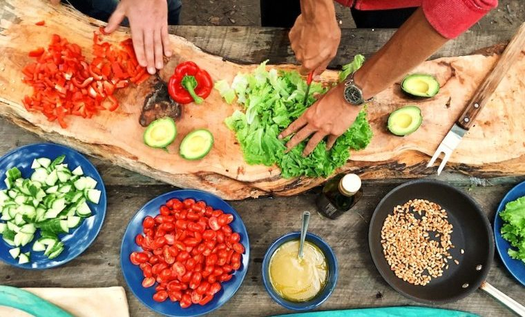 Gastronomía sostenible para fomentar la solidaridad y la resiliencia alimentaria