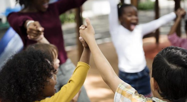 Cómo hablar con los hijos sobre el racismo