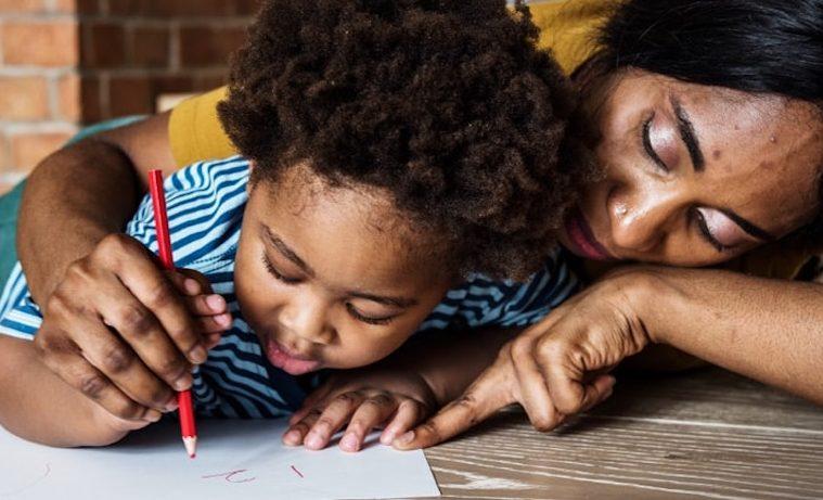 Cuatro estrategias para proveer servicios de atención a la primera infancia desde casa