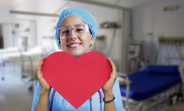 La ética juega un papel clave a la hora de promover la atención universal de la salud