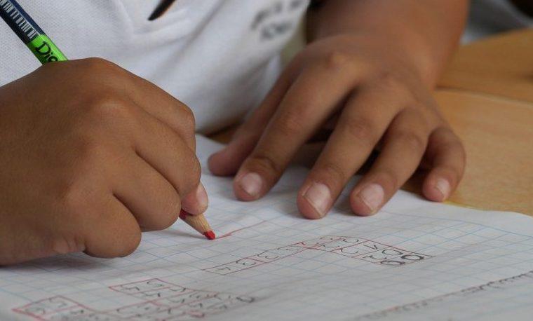 Los niños no pueden permitirse otro año sin escuela