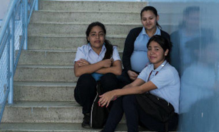 Las políticas educativas continúan siendo ineficaces frente al embarazo adolescente